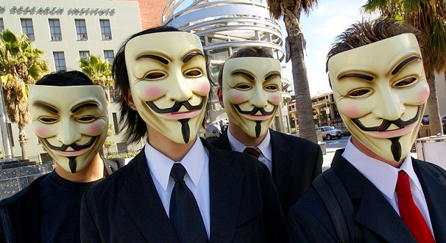 Anonymous_at_Scientology_in_Los_Angeles_kerodicas