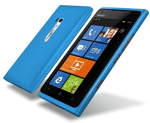 Nokia-Lumia-900-1